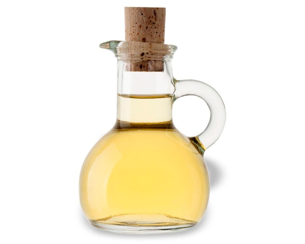 Los usos del vinagre blanco en la cocina