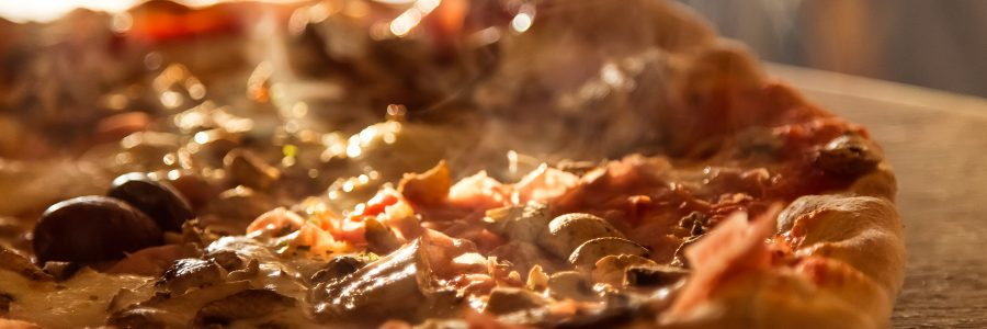 Pizza de champiñones con alcaparras